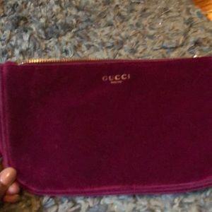 GUCCI velvet beauty bag 💼